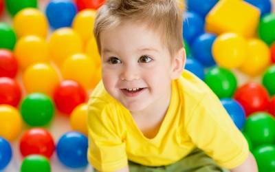 Dziecko na terapii rehabilitacyjnej